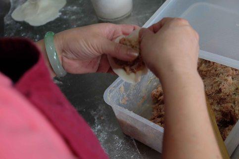 hands on dumpling.2